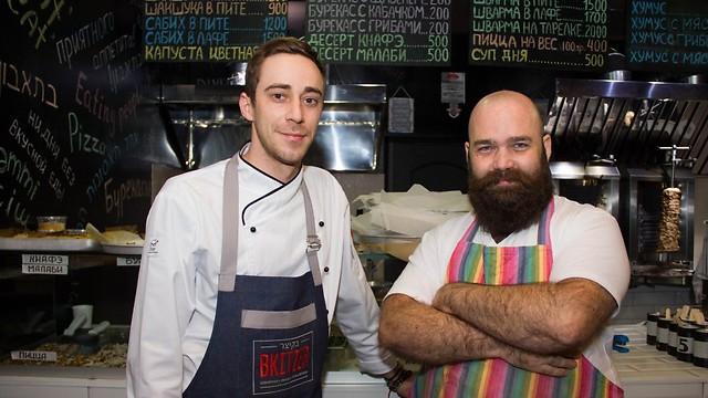 השף מארק טוב ואנדריי מוקיץ (צילום: באדיבות בקיצר)