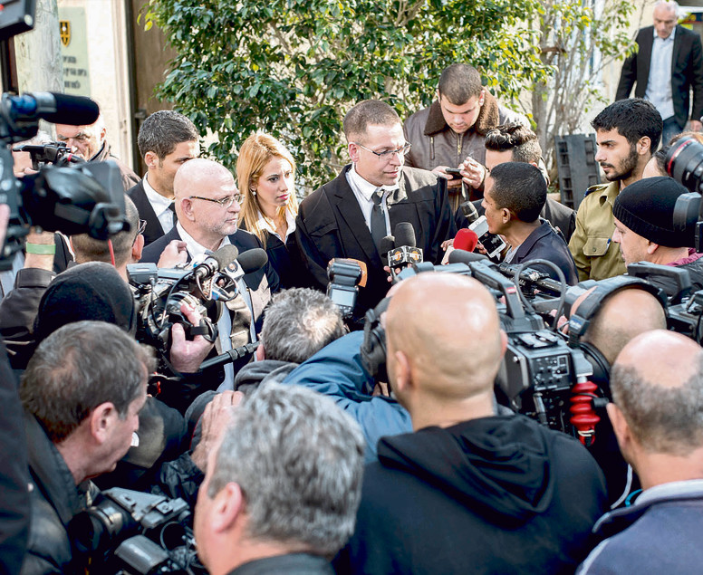 עורכי הדין בסרגליק, שחיבר וכץ מול התקשורת