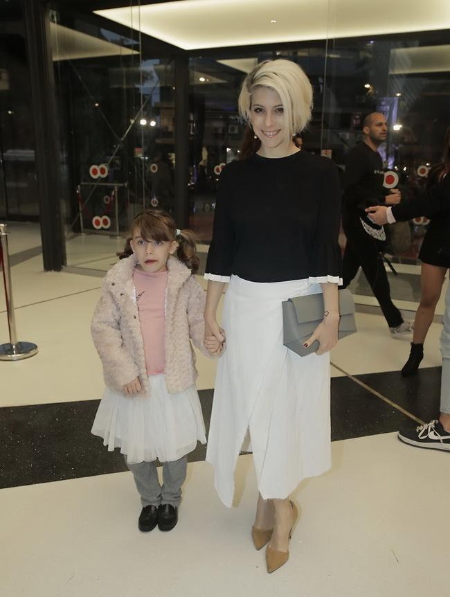 תיאמתן חצאיות? דפנה לוסטיג ובתה לילי (צילום: שוקה כהן)