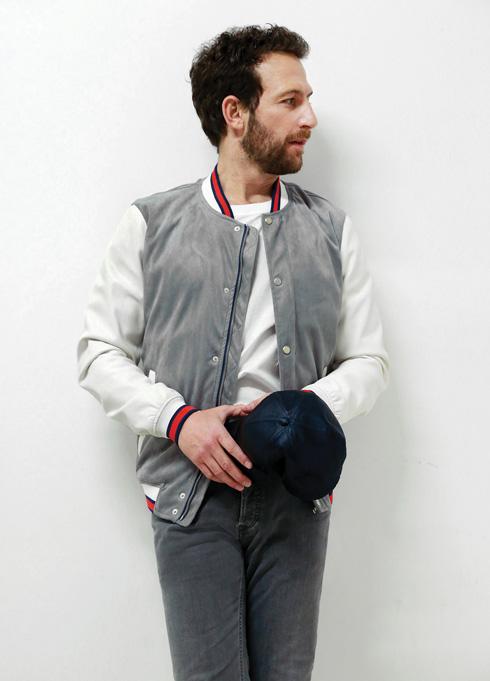 ז'קט, 329 שקל, זארה. כובע (ביד), 100 שקל, H&M (צילום: ניר יפה, סטיילינג: תמי ארד־ברקאי)