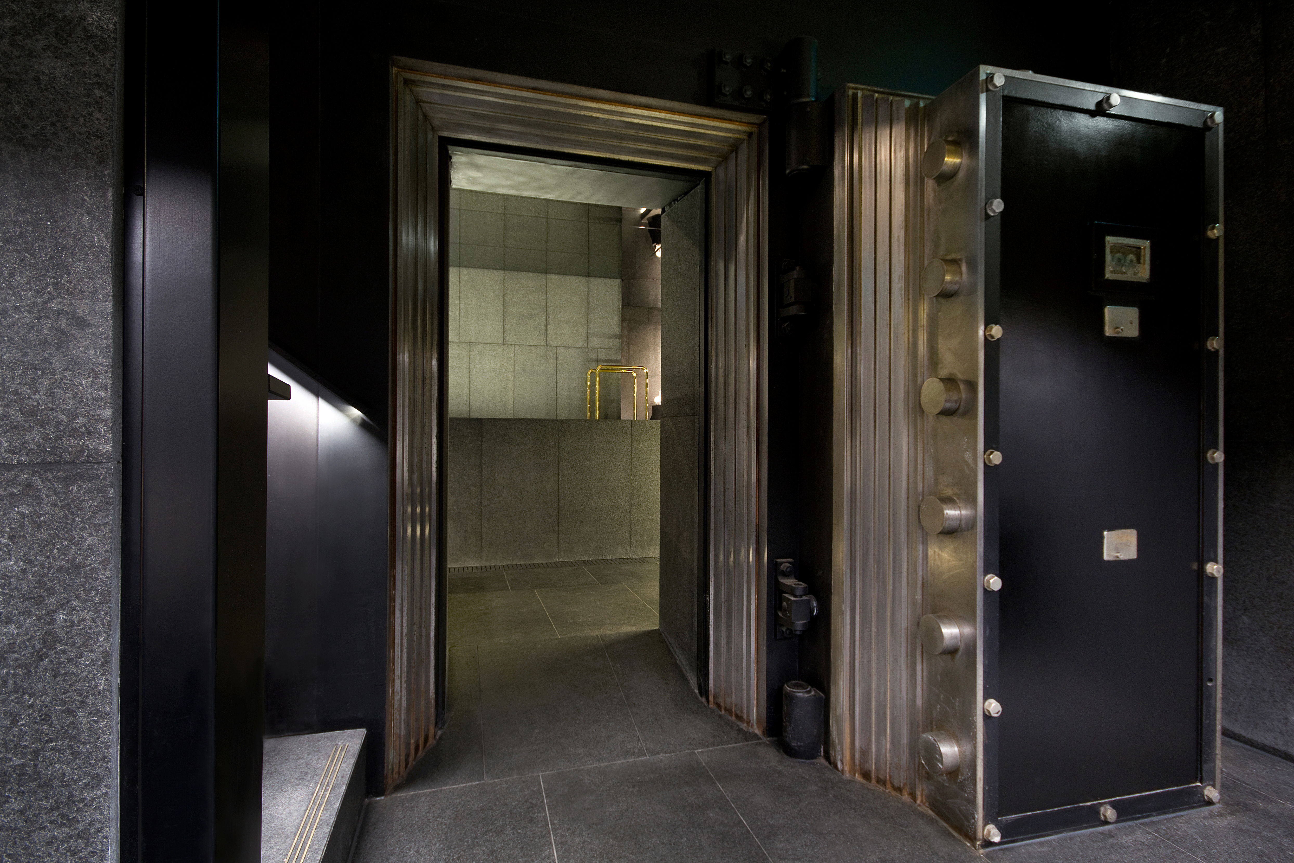 Вместо банковских сейфов - спа-салон