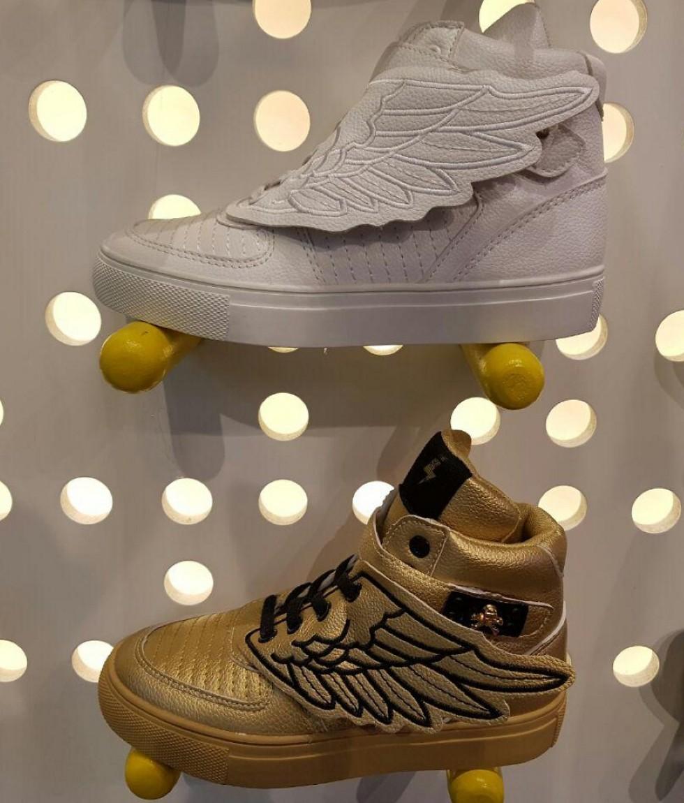 נעליים מכונפות. 189.90 שקל