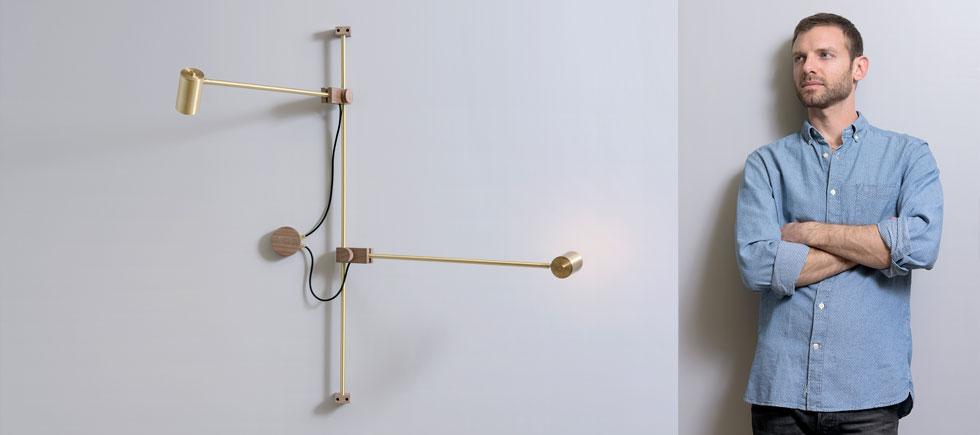 הסטודיו של אסף וינברום נמצא בקרית המלאכה בדרום ת''א, ומי שבא לבחור מנורה עובר דרך הכלים וחומרי הגלם לפני שהוא נכנס לחלל תצוגה קטן ומאיר (צילום: איה וינד)