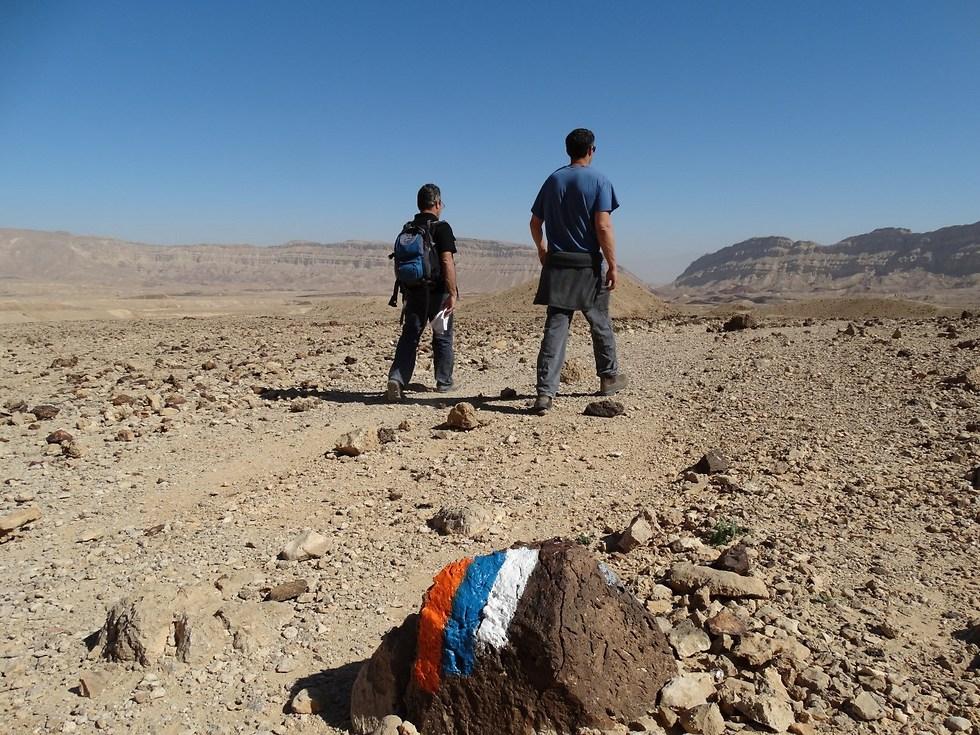 שביל ישראל באזור המכתש הקטן (צילום: דב גרינבלט)