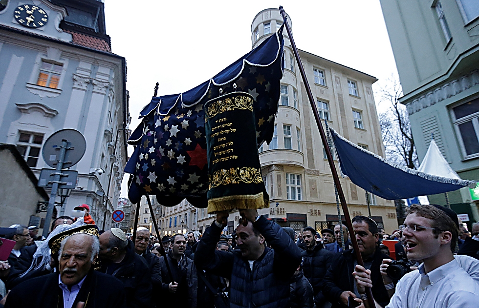 The new Torah (Photo: Reuters)