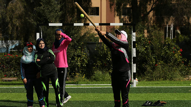 Gaza batting practice (Photo: Reuters) (Photo: Reuters)
