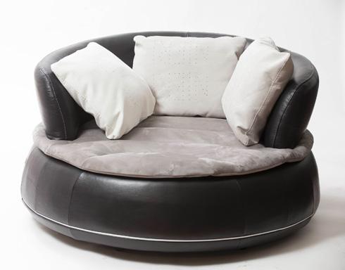 כורסא מער רך, 14,900 שקל. ניקולטי (צילום: רמי זרנגר)