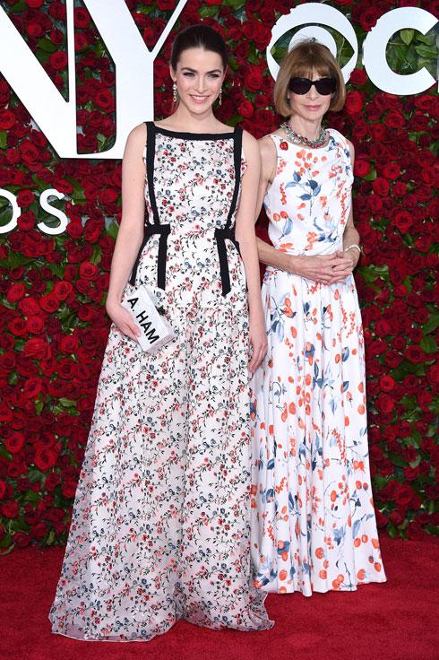 בגיל 17 סידרה לה האם עבודה כעורכת זוטרה במגזין teen Vogue, האחות הצעירה של ספינת האם. ווינטור ושפר (צילום: Gettyimages)