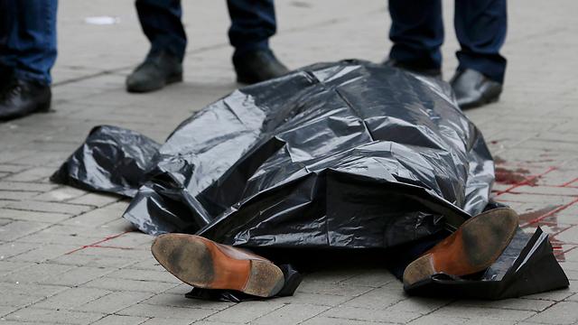 בשנה שעברה: התנקשות לאור יום בפוליטיקאי רוסי שהתנגד לפוטין (צילום: רויטרס) (צילום: רויטרס)