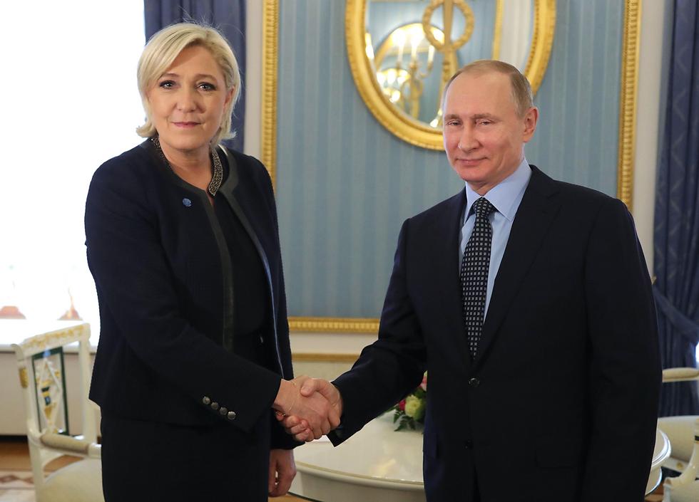 בהצלחה מפוטין. לה פן במוסקבה במרס האחרון (צילום: AFP)