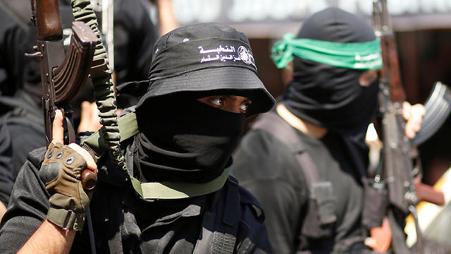 Hamas militants (Photo: Reuters)