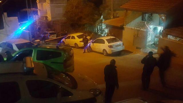 זירת הירי בנצרת שבה נהרגו הערב שני אנשים ()