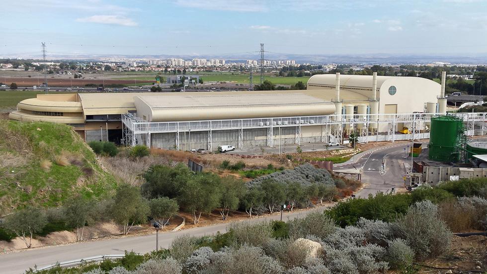 המפעל החדש תוכנן במשרד האדריכלים של צבי מוססקו. שטחו הבנוי של המפעל החדש כ-14 דונם (צילום: אדריכל ליאור אביבי)