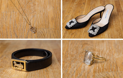 """""""אני אוהבת את הנוצץ הזה, זו הפרחה הרוסייה שבי"""". נעליים של מנולו בלאניק, תכשיטים משפחתיים וחגורת וינטג' של סלין (צילום: ענבל מרמרי)"""