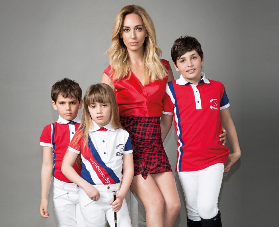 """מירי בודנה עם הילדים בן (מימין), אסתר ורפאל.  """"זה לא בית שהולך להימכר, זה בית פור לייף, נחיה בו ביחד באהבה לנצח"""" (צילום: דביר כחלון, סגנון: ראובן כהן)"""