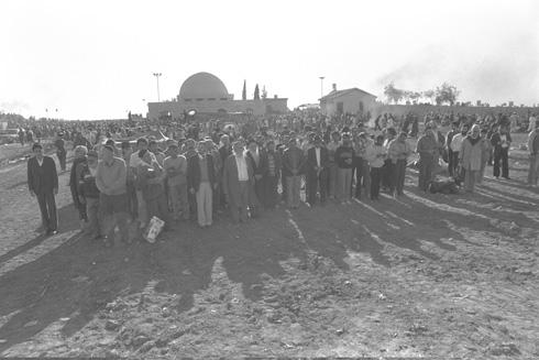 """כ-600 אלף איש פוקדים את קבר הבאבא סאלי מדי שנה (צילום: נתי הרניק, לע""""מ)"""
