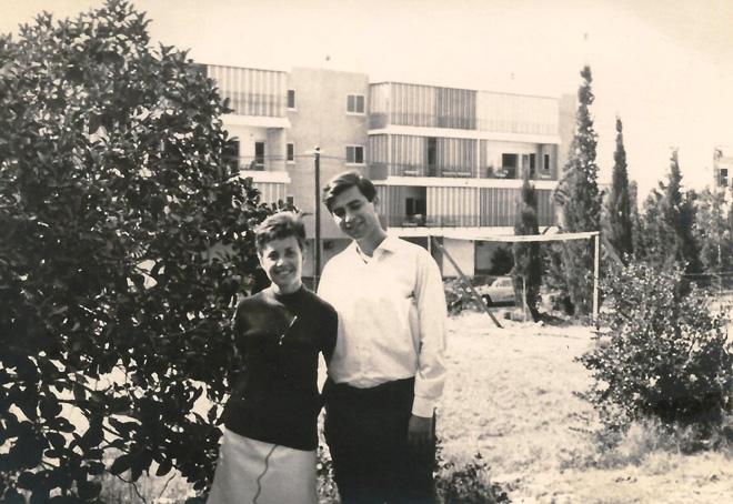 """ההורים, אהוד ושולמית. """"המשפחה היא חלק חשוב מחיי גם כיום"""" (צילום: מתוך אלבום פרטי)"""