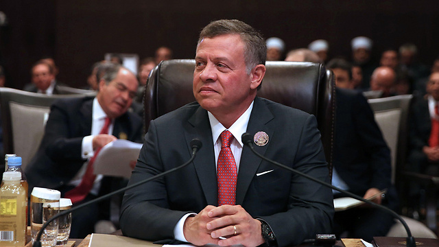 Jordan's King Abdullah seeks to prevent another wave of Syrian refugees from drowning his country (Photo: AFP)