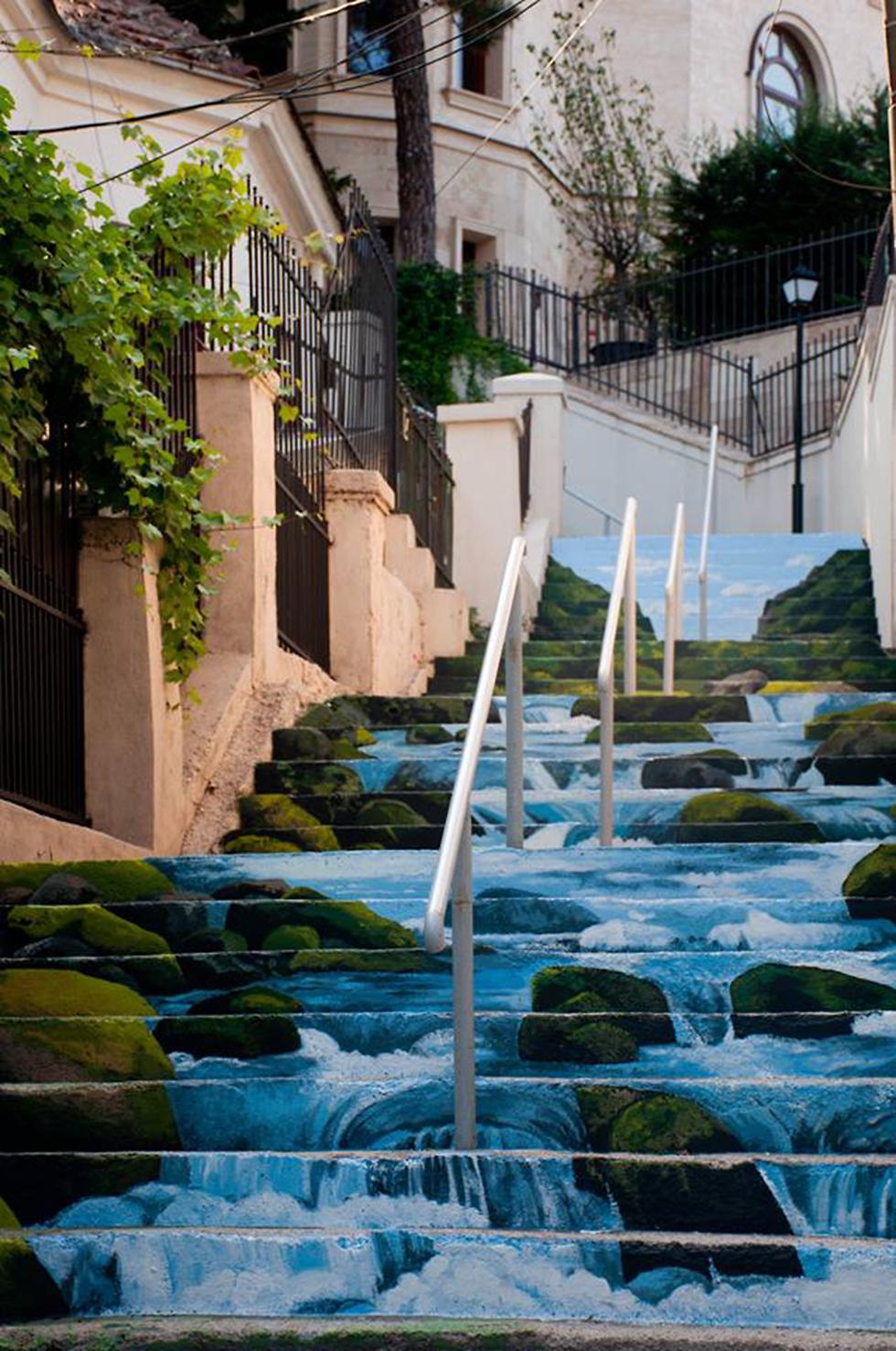רחוב קסנופון העתיק והמדרגות המיוחדות שבו