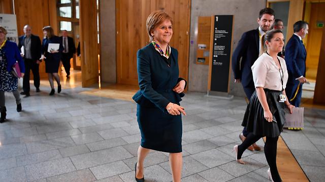 סקוטלנד מעוניינת להישאר באיחוד האירופי וכבר הודיעה שתדרוש משאל עם נוסף על עצמאותה. השרה הראשונה ניקולה סטרג'ן (צילום: gettyimages) (צילום: gettyimages)
