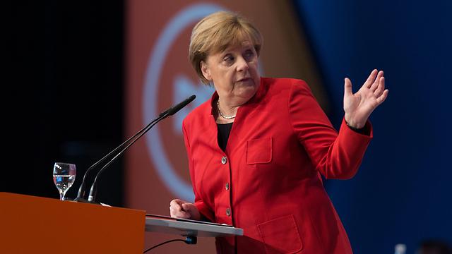 """""""מקרון יהיה נשיא חזק"""". קנצךרית גרמניה אנגלה מרקל (צילום: MCT)"""
