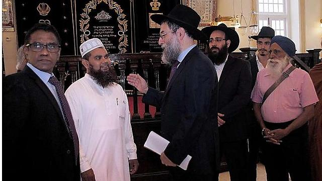 Rabbi Abergel with the Imam (Photo: The Straits Times)
