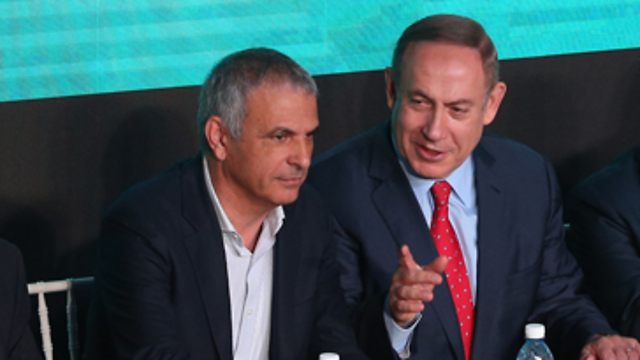 Netanyahu and Kahlon (Photo: Amit Shaabi)