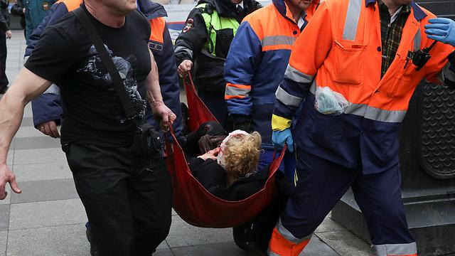 Взрыв в метро. Эвакуация раненых. Фото: Reruters