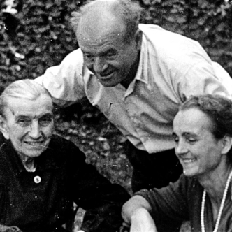 Francesco Tirelli with his mother and cousin