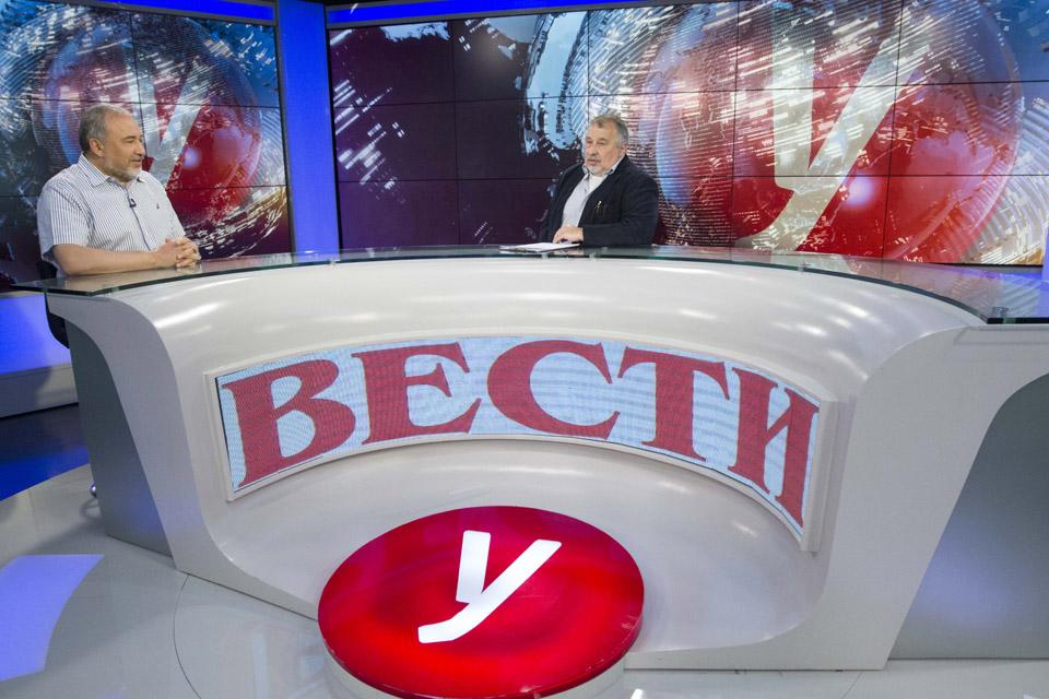 Авигдор Либерман и Саша Виленский в студии Вести-ynet