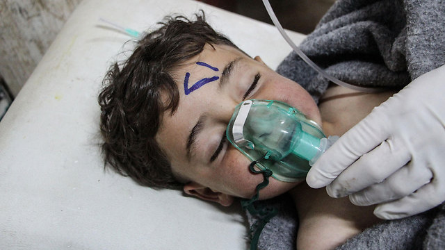 Жертва химической атаки в Идлибе. Фото: EPA (Photo: EPA)