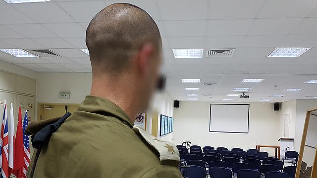 """נלחם בצמרת הצבא כדי לחזור לשרת. סא""""ל ר' בראיון מיוחד (צילום: יואב זיתון) (צילום: יואב זיתון)"""