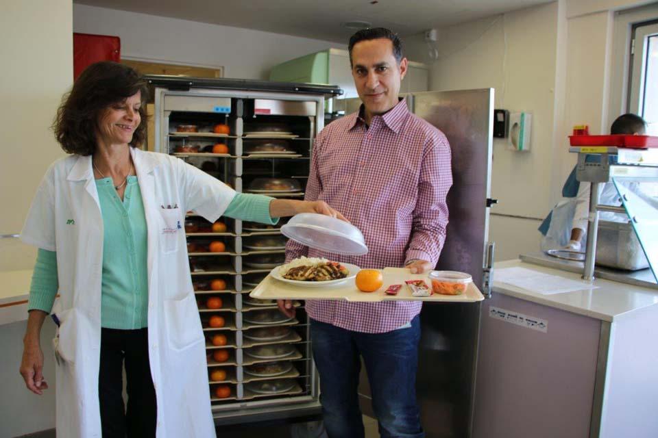 Авишай Дигми и Ракела Бен-Альтабет на кухне