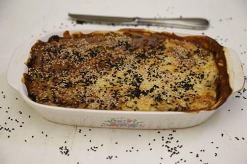 פשטידת אטריות קונג'אק ופטריות (צילום: עודד חוברה)