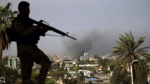הצבא העיראקי עדיין לא גירש את דאעש מהמדינה. הלחימה במוסול (צילום: AFP) (צילום: AFP)