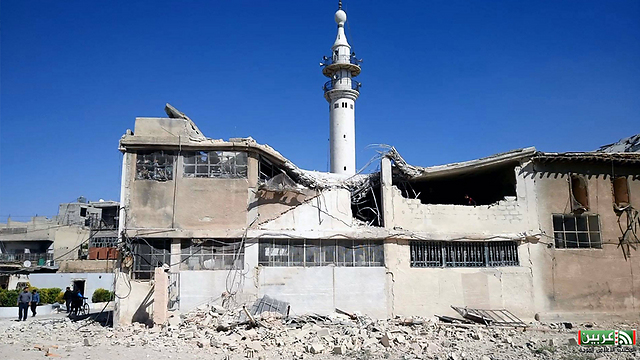 Assad's forces hit mosque in Damascus following US airstrike