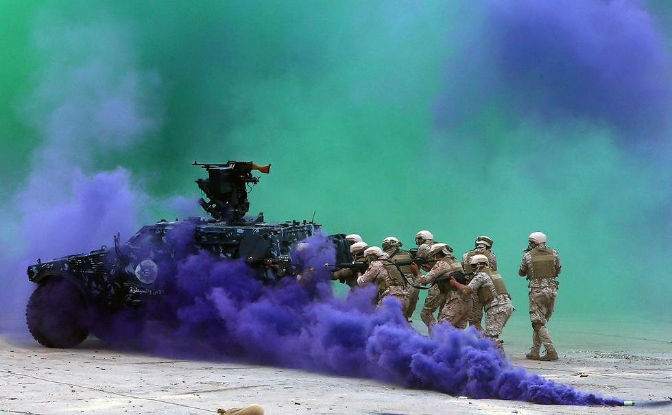"""תרגיל צבאי של ארה""""ב, כוויית ומדינות מפרץ נוספות בכוויית סיטי (צילום: AFP)"""