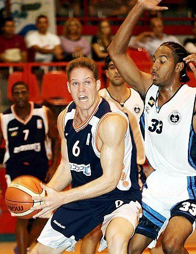 שחר גורדון. נחשב לתקווה של הכדורסל הישראלי בעמדת הסנטר (צילום: טל שחר)