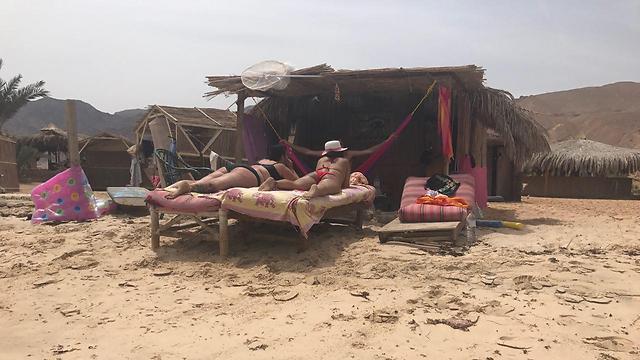 Some Israelis couldn't stay away. (Photo: Tiki Golan)