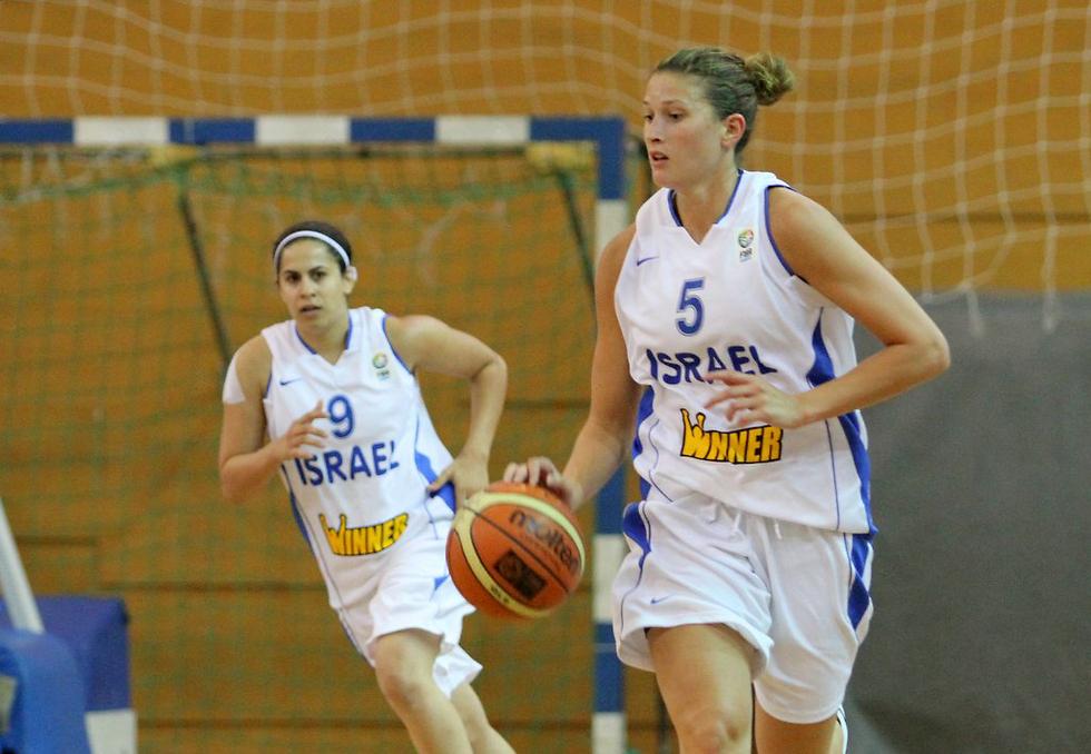 דורי במדי נבחרת ישראל (צילום: עוז מועלם) (צילום: עוז מועלם)