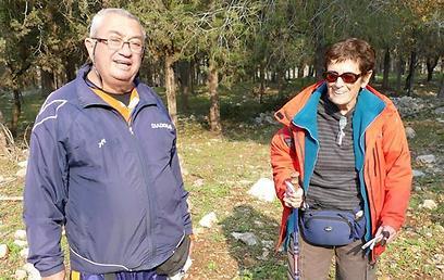 עמי ושוש שחורי שהתחילה לנווט בגיל 82 (צילום: גידי זורע)
