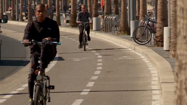 """מחצית מהנסיעות למטרות עבודה הן למרחק של עד 6 ק""""מ. שביל אופניים בת""""א (צילום: חגי דקל)"""
