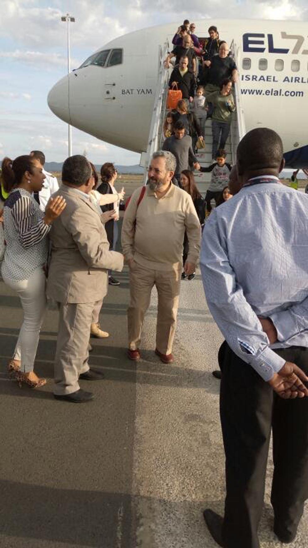 אהוד ברק בטנזניה