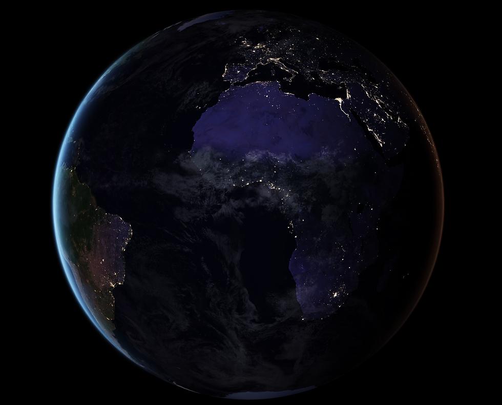 """אירופה ואפריקה בשעות הלילה (צילום: נאס""""א) (צילום: נאס"""