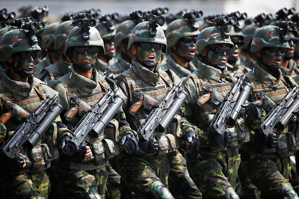 North Korean army demonstration (Photo: Reuters) (Photo: Reuters)