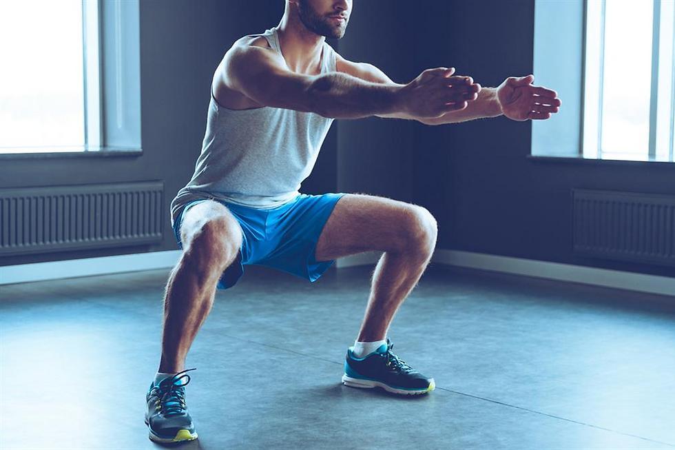 סקוואט עם התנגדות גבוהה - אופציה לחימום יעיל לפני אימון רגליים