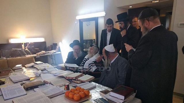 ליצמן בפגישה עם ברלנד בהדסה (באדיבות כיכר השבת) ()