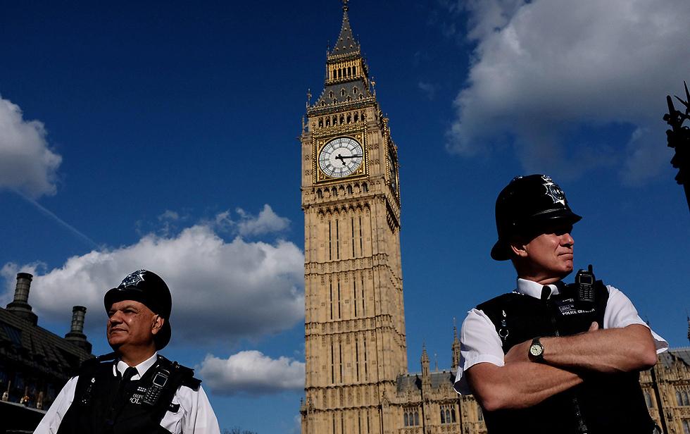 לונדון. חושבים על הסביבה (צילום: AFP) (צילום: AFP)
