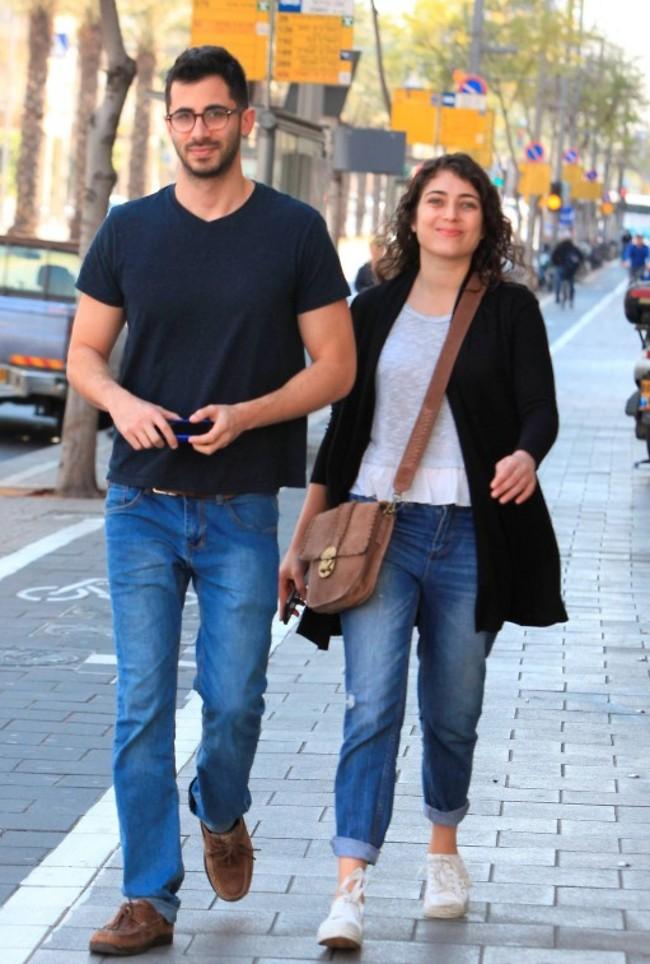ביי חמודים! רוני דלומי ובעלה אלון ויסמן (צילום: מוטי לבטון)