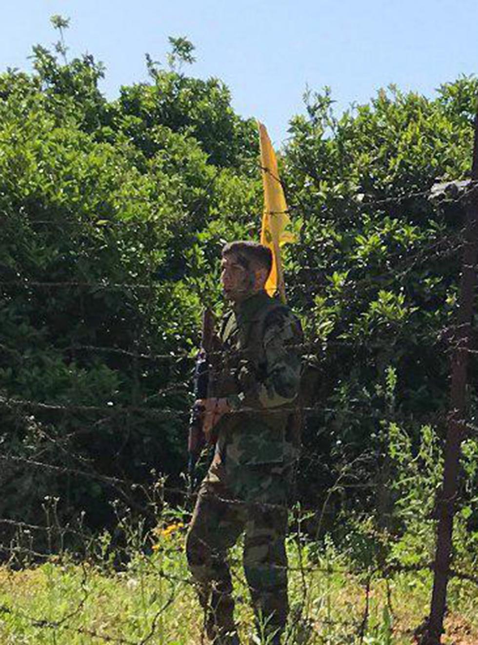 לוחם חיזבאללה בקרבת הגבול הישראלי